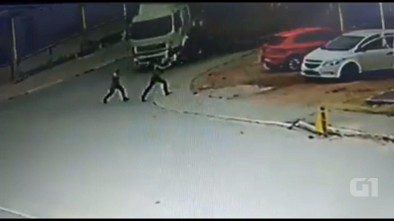 Mulher é atropelada por caminhão em Mandirituba, na Região Metropolitana de Curitiba