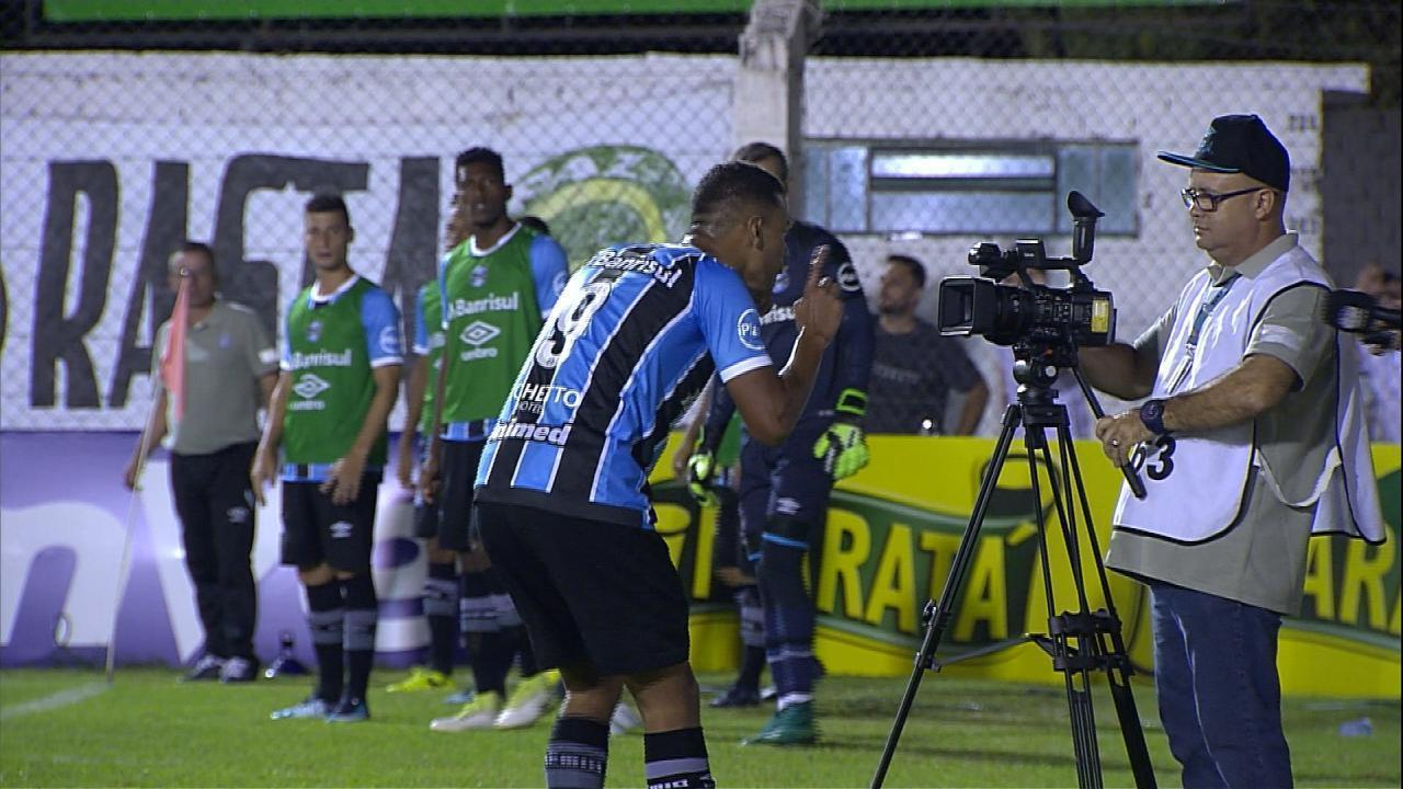Gol do Grêmio! Thonny Anderson chuta cruzado e marca aos 7 do 2º tempo