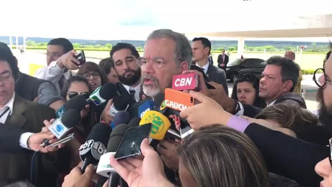 Ministro Raul Jungmann falou com jornalistas sobre necessidade de mandados coletivos no RJ
