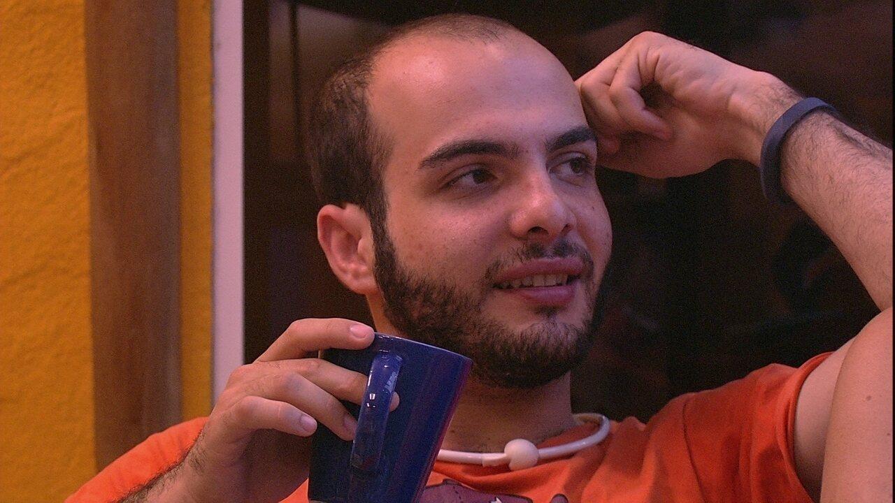 Mahmoud sobre sua sobrancelha: 'Algo que acho mais bonito em mim'