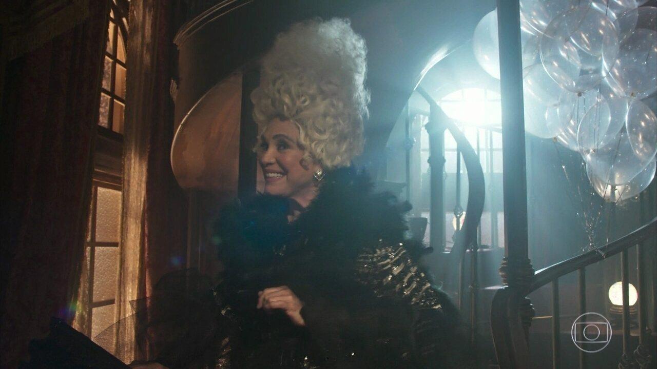 Madame Lucerne reinaugura a Maison Dorée