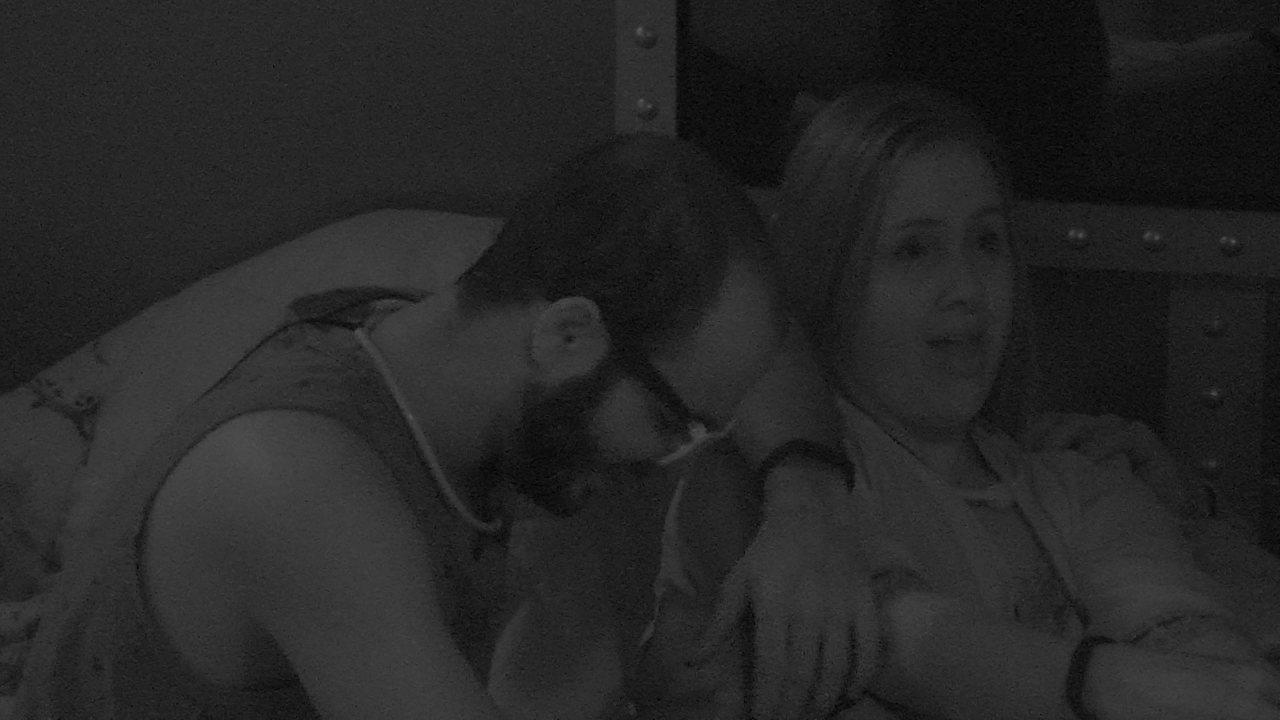 Patrícia sobre Kaysar: 'Ele tentou me beijar e eu não deixei'
