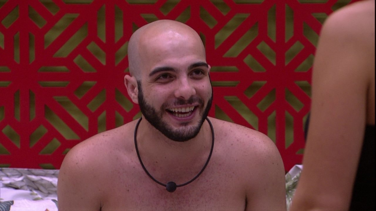Gleici, Jéssica e Mahmoud comentam que Kaysar é forte no jogo