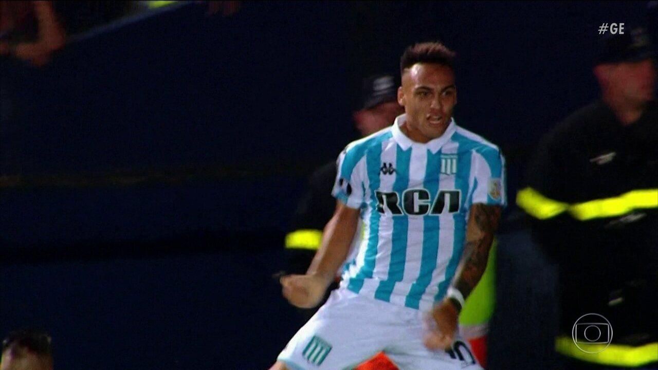 Lautaro Martínez bagunça defesa e Cruzeiro estreia na Libertadores com derrota
