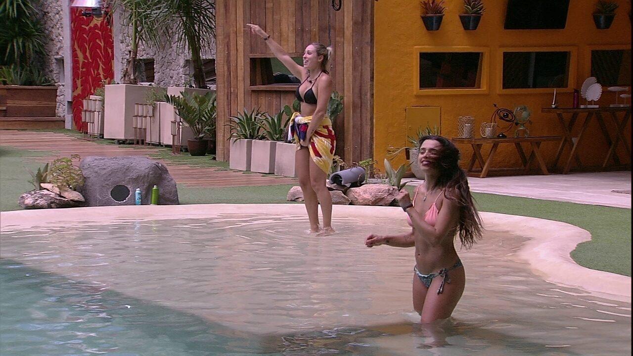 Jéssica escuta Raimundos e declara: 'Essa Rodrigo canta para mim'