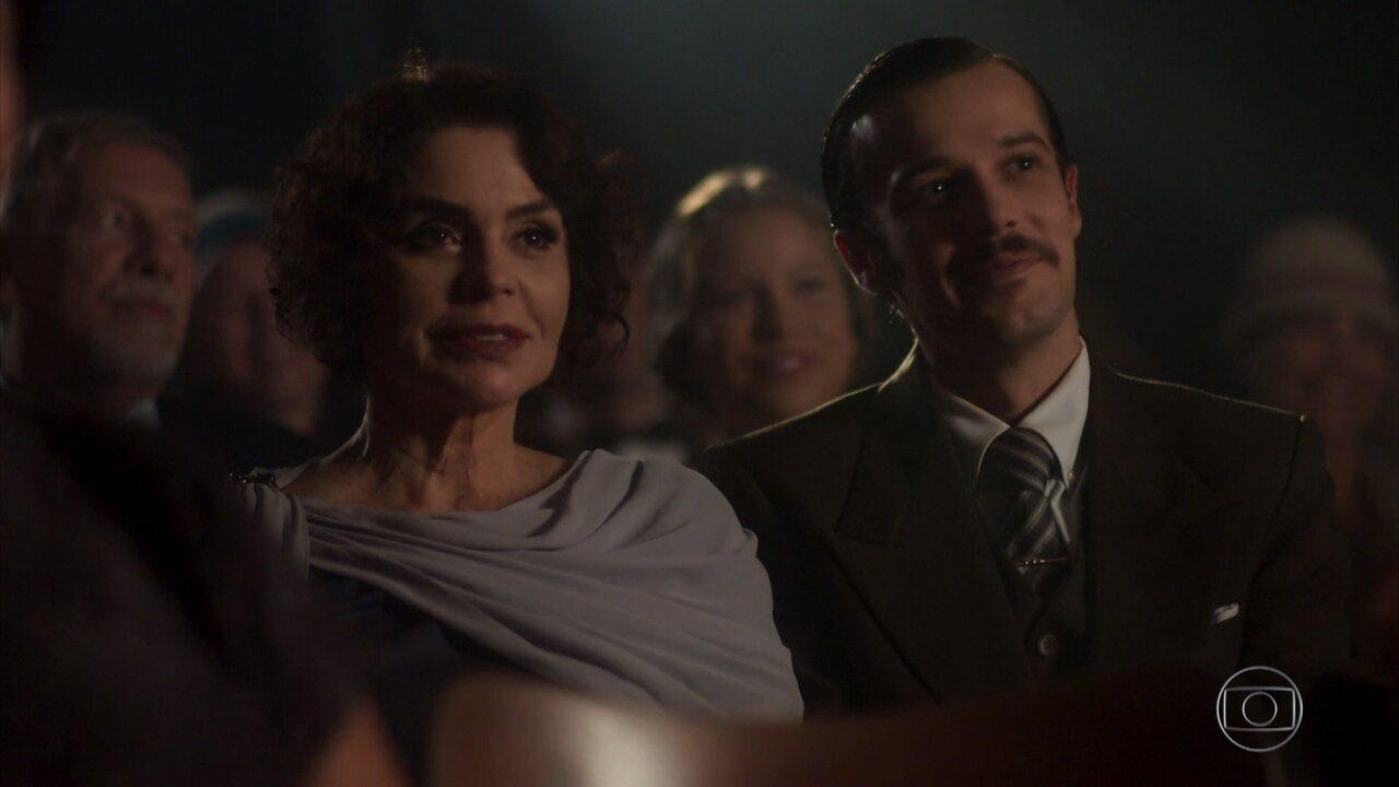 Fernão leva Emília ao cinema