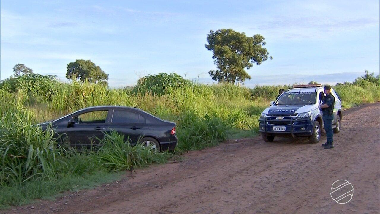 Resultado de imagem para Bandidos rendem família e roubam carro em Campo Grande
