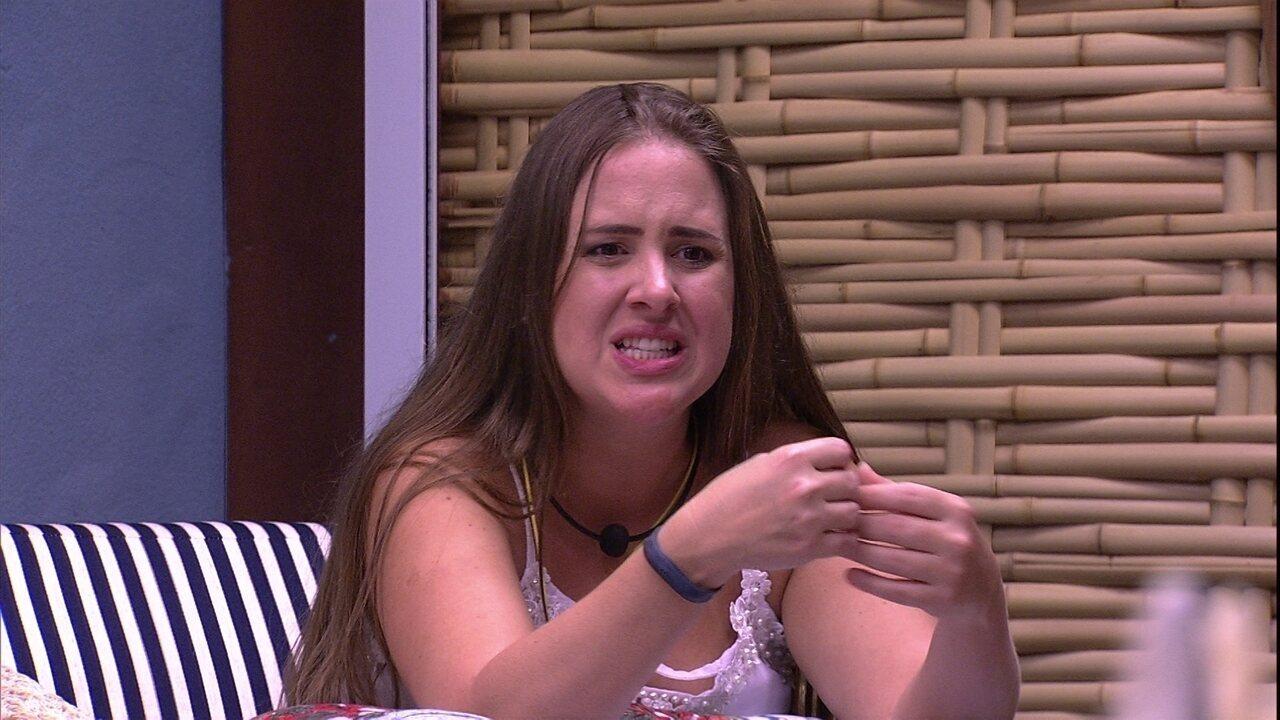Patrícia imita Paula na Prova do Anjo e diz: 'Ali ela ganhou o meu voto'
