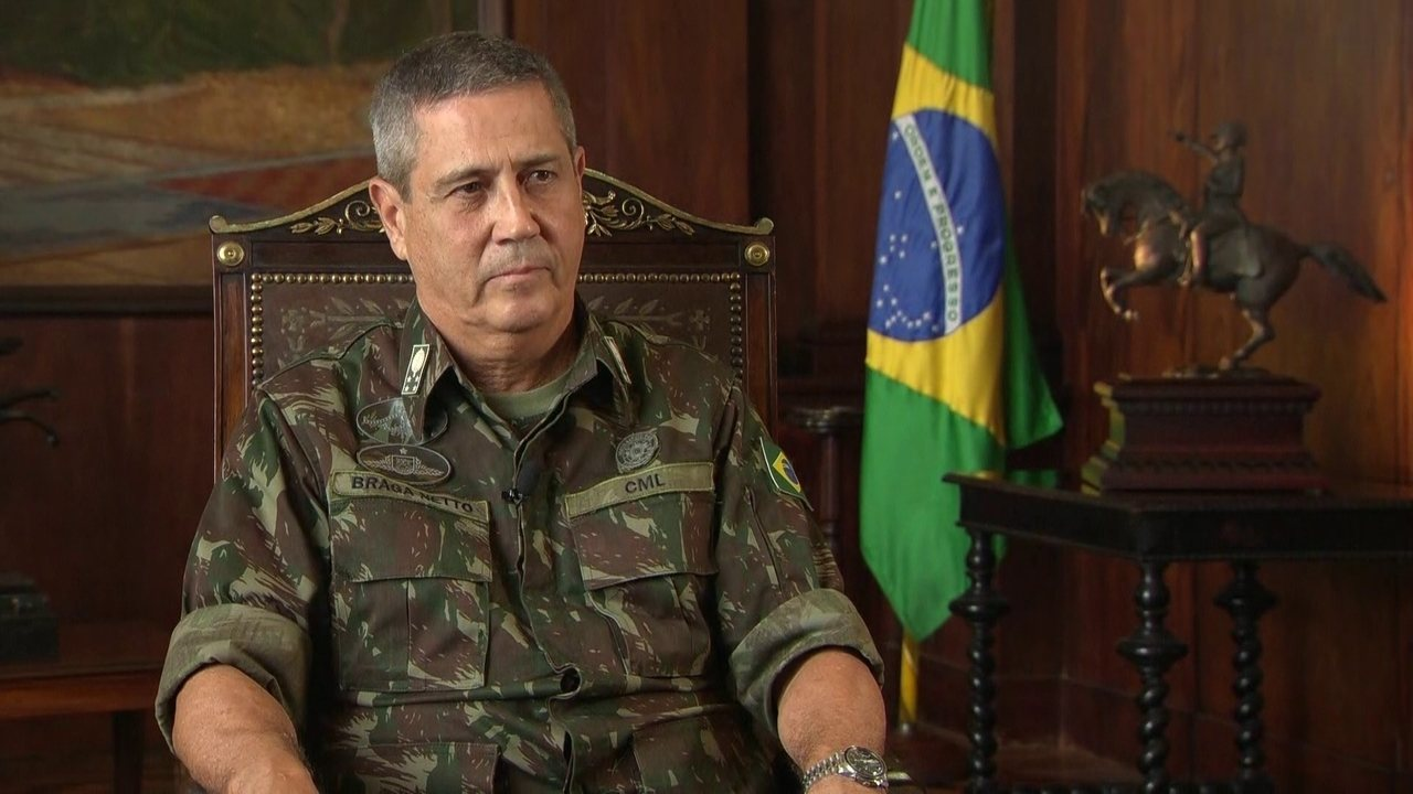 General Braga Netto explica intervenA�A?o federal no Rio de Janeiro