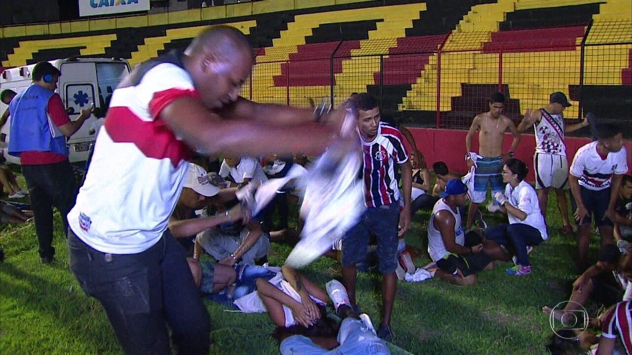 Alegria do Clássico das Multidões é encerrada por incidente entre policiais e torcedores