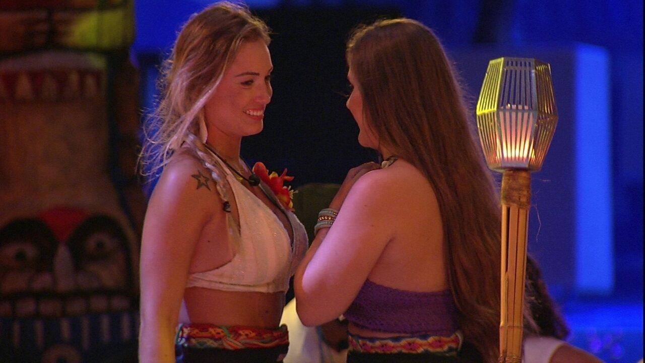 Jéssica conta a Patrícia sobre beijo de Paula e Breno