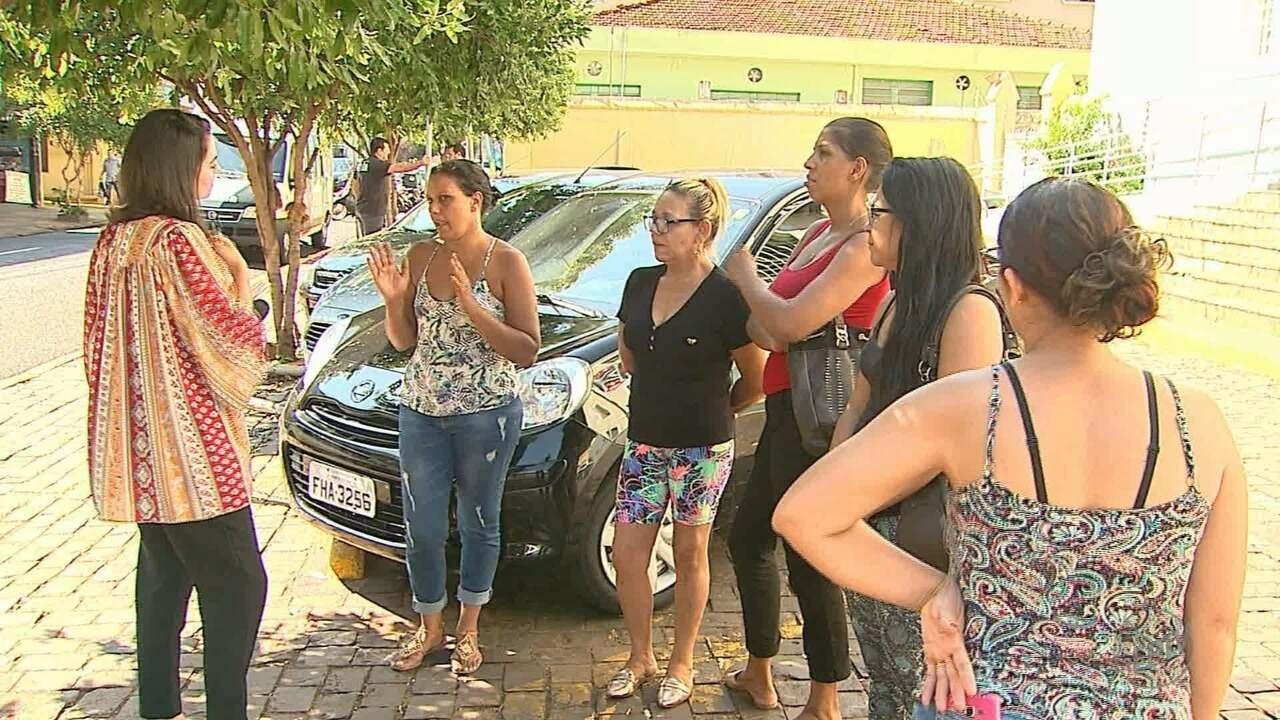 Costureiras acusam fábrica de não pagar por serviços em Ribeirão Preto, SP