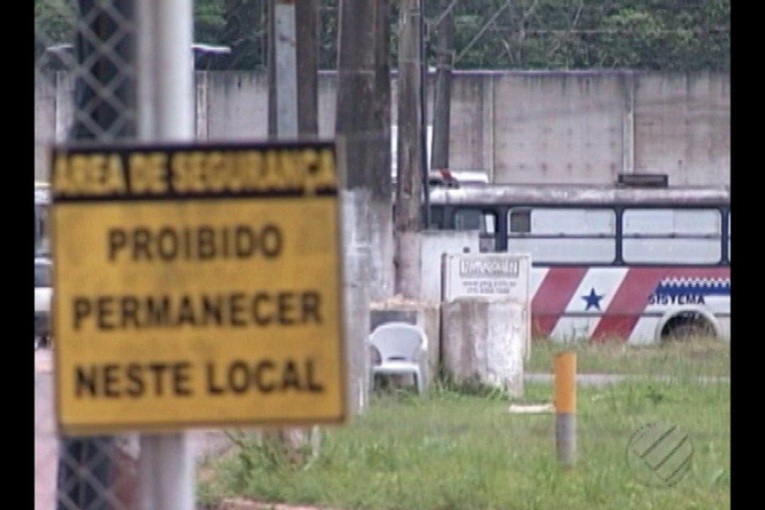 Bandidos tentam resgatar presos e agentes são feitos reféns no CRPPI em Santa Izabel