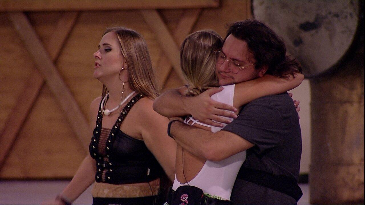 Jéssica e Diego se abraçam: 'Tá nas mãos do público'