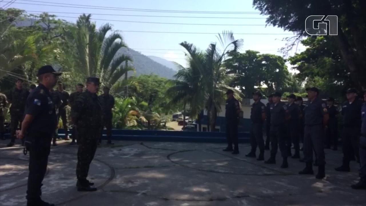 General Mauro Sinott explica objetivo de visita a batalhão da PM em Bangu