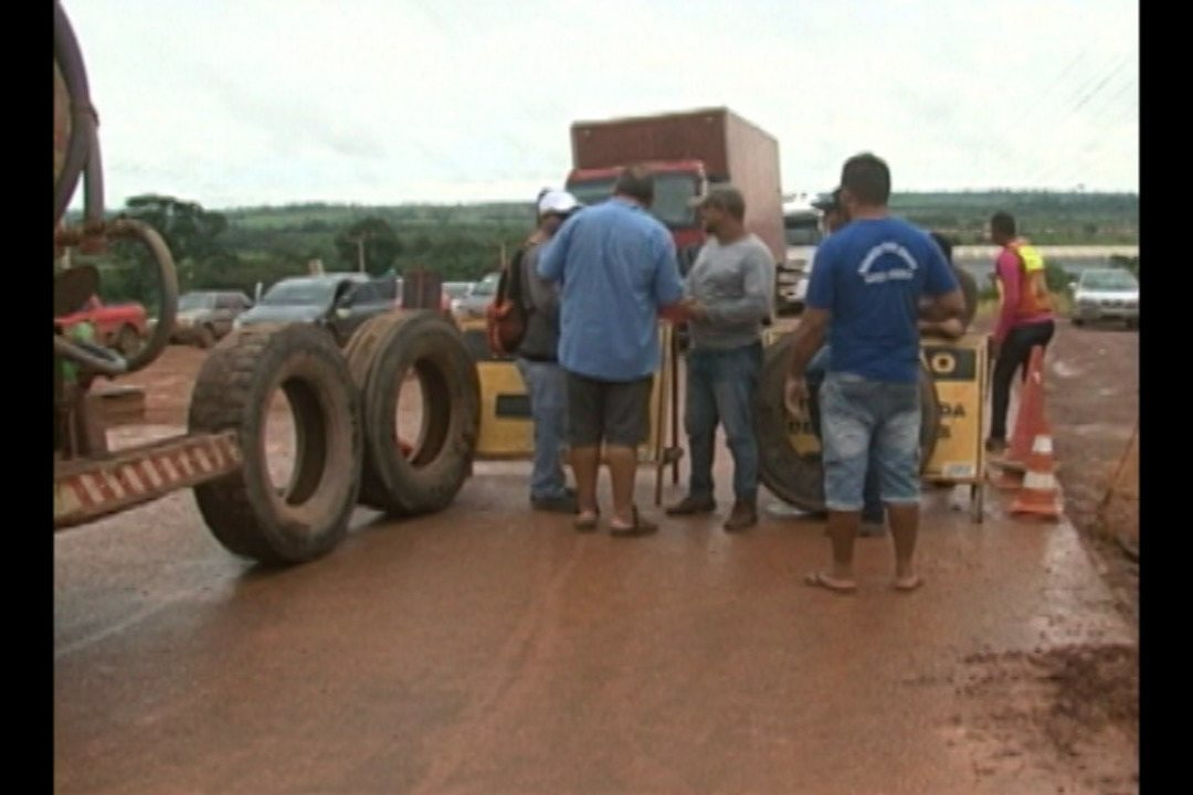Entada do município de Altamira foi bloqueado por protesto