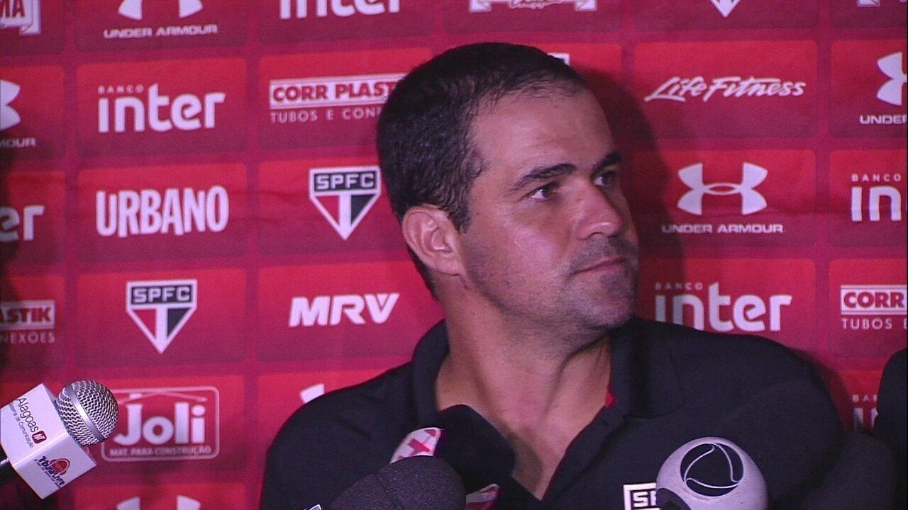 Veja como foi a coletiva de André Jardine após a vitória do São Paulo sobre o CRB
