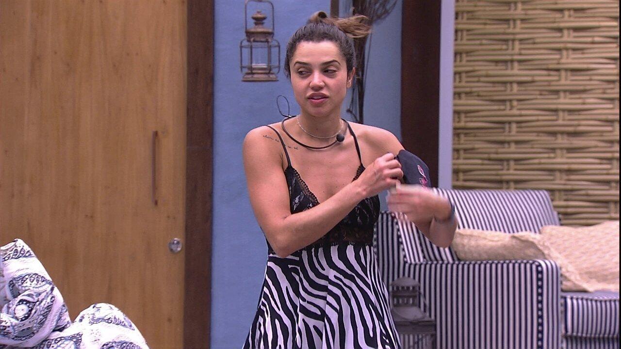Ana Clara sobre Paula: 'Me chateia ela estar distante'