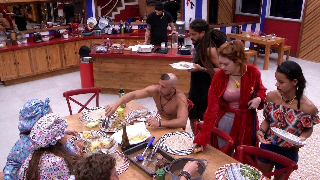Gleici e Ana Clara se juntam ao Tá com tudo para almoço