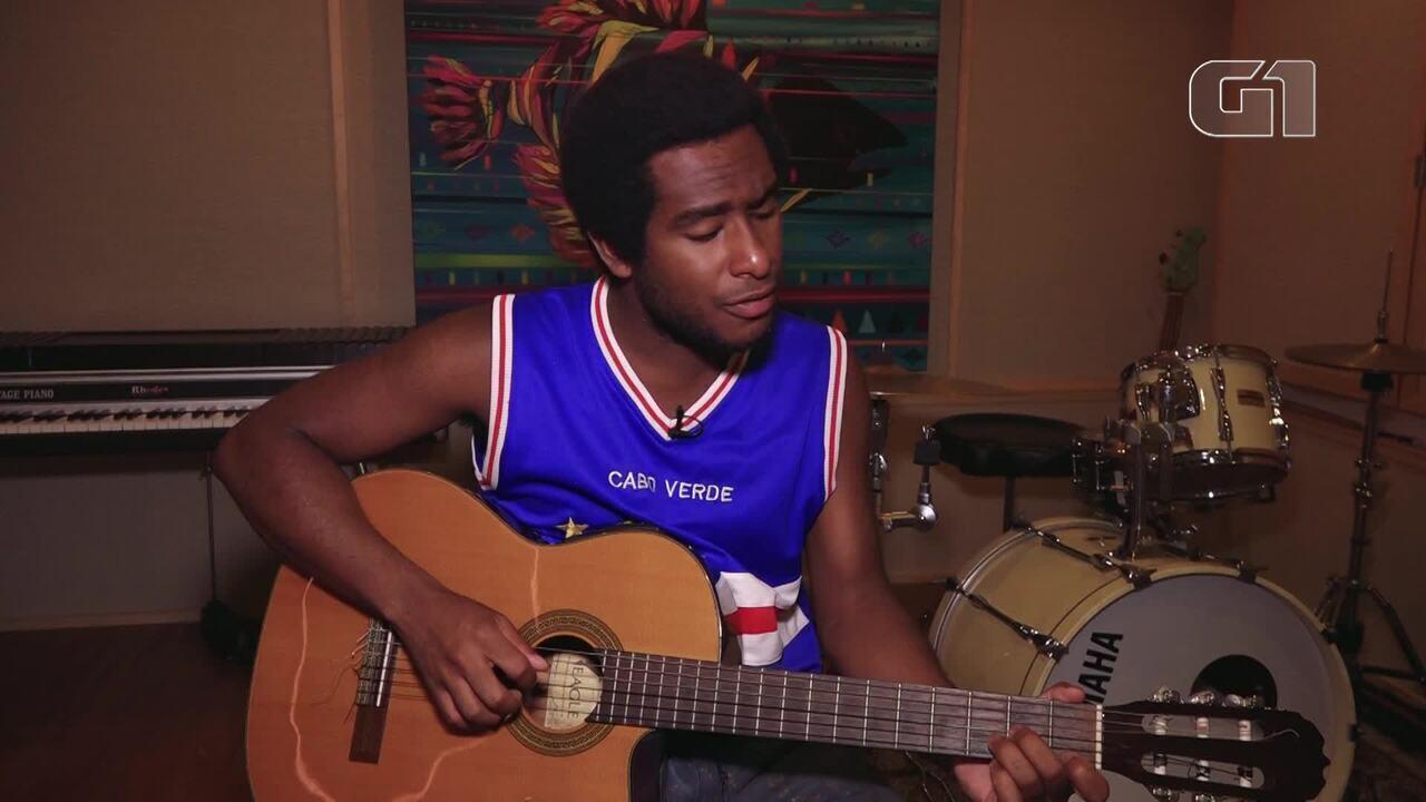 Luthuli Ayodele canta em homenagem a Marielle Franco