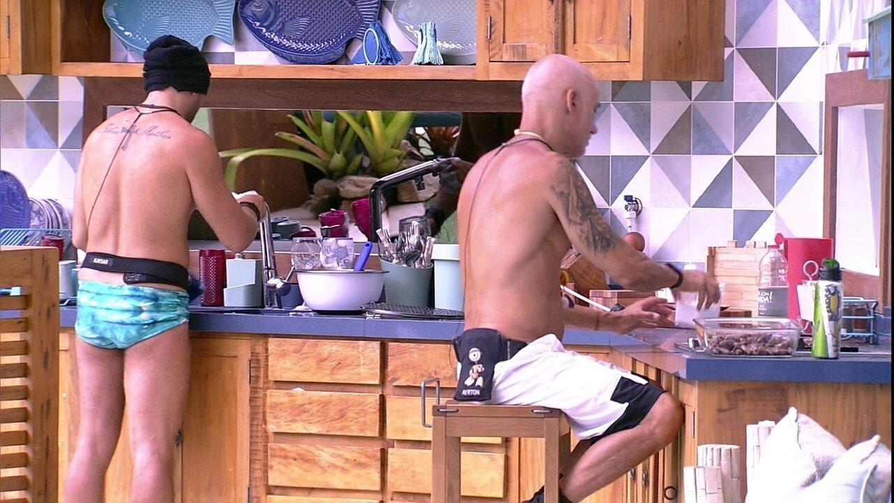 Kaysar e Ayrton comentam sobre Prova da Comida