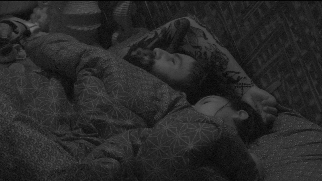 Gleici dorme e Wagner fica pensativo no Bangalô do Líder