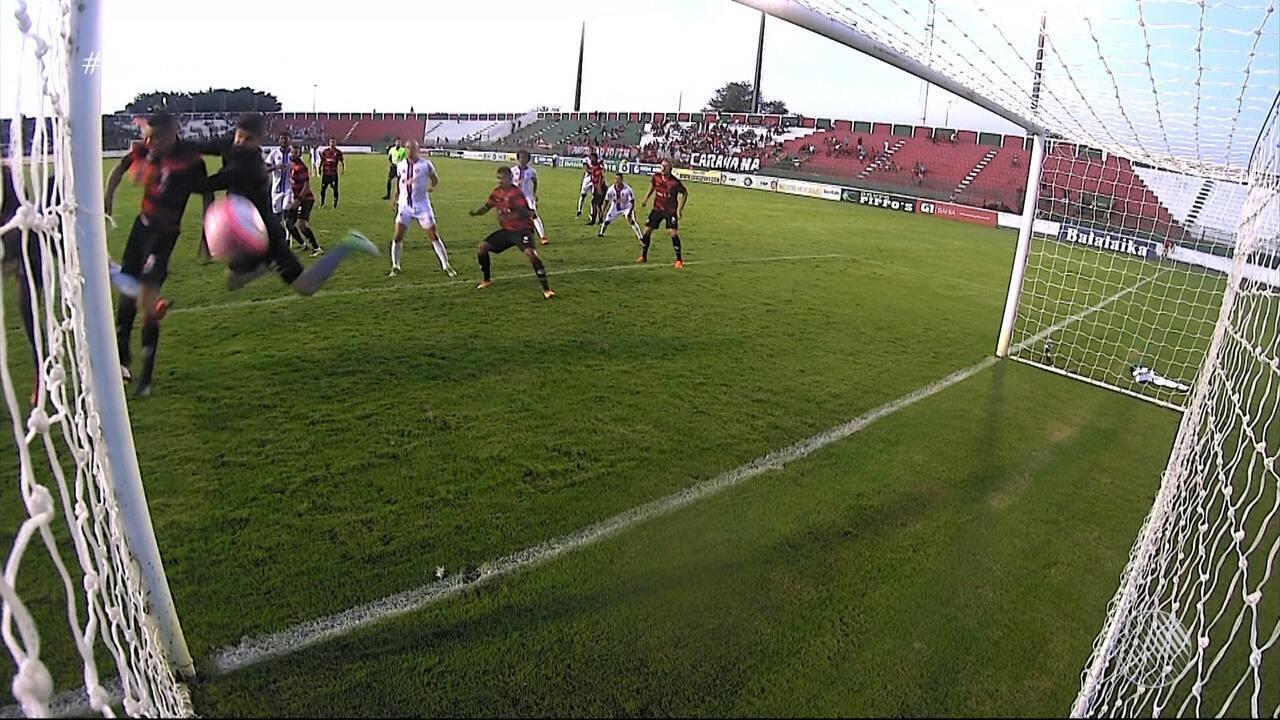 No finalzinho, Walisson Maia marca contra, e Bahia de Feira consegue empate