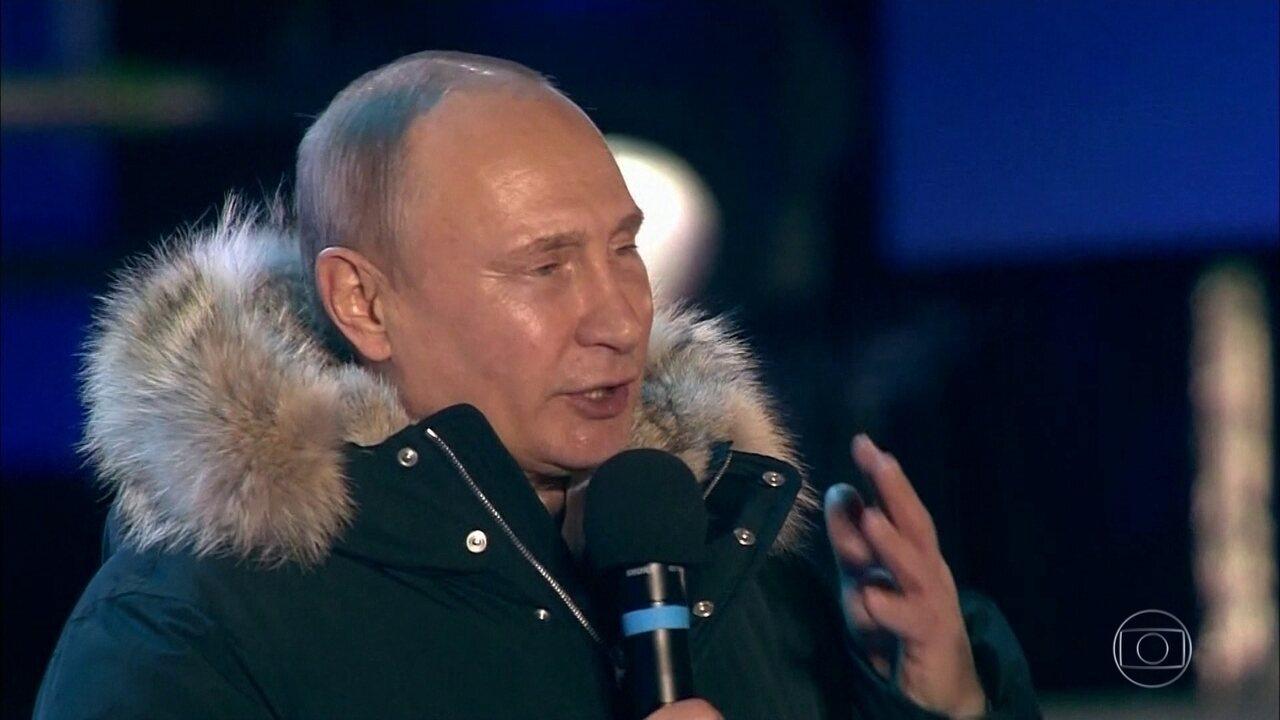 Vladimir Putin é reeleito para mais um mandato na presidência da Rússia