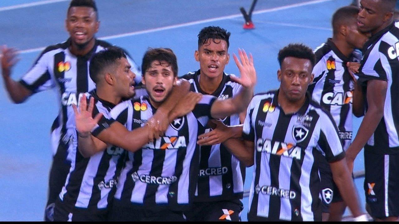 Os gols de Vasco 2 x 3 Botafogo pela semifinal da Taça Rio do Campeonato Carioca