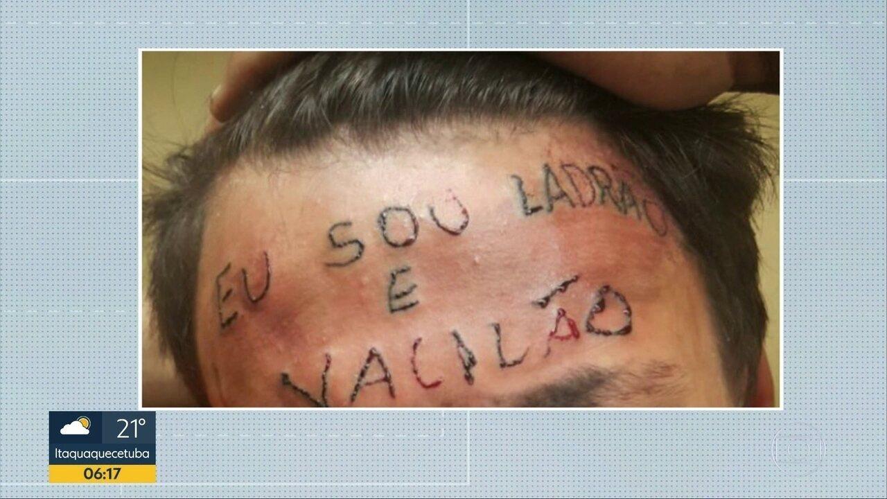 Tatuado com 'ladrão e vacilão' na testa é preso por furtar desodorantes em SP