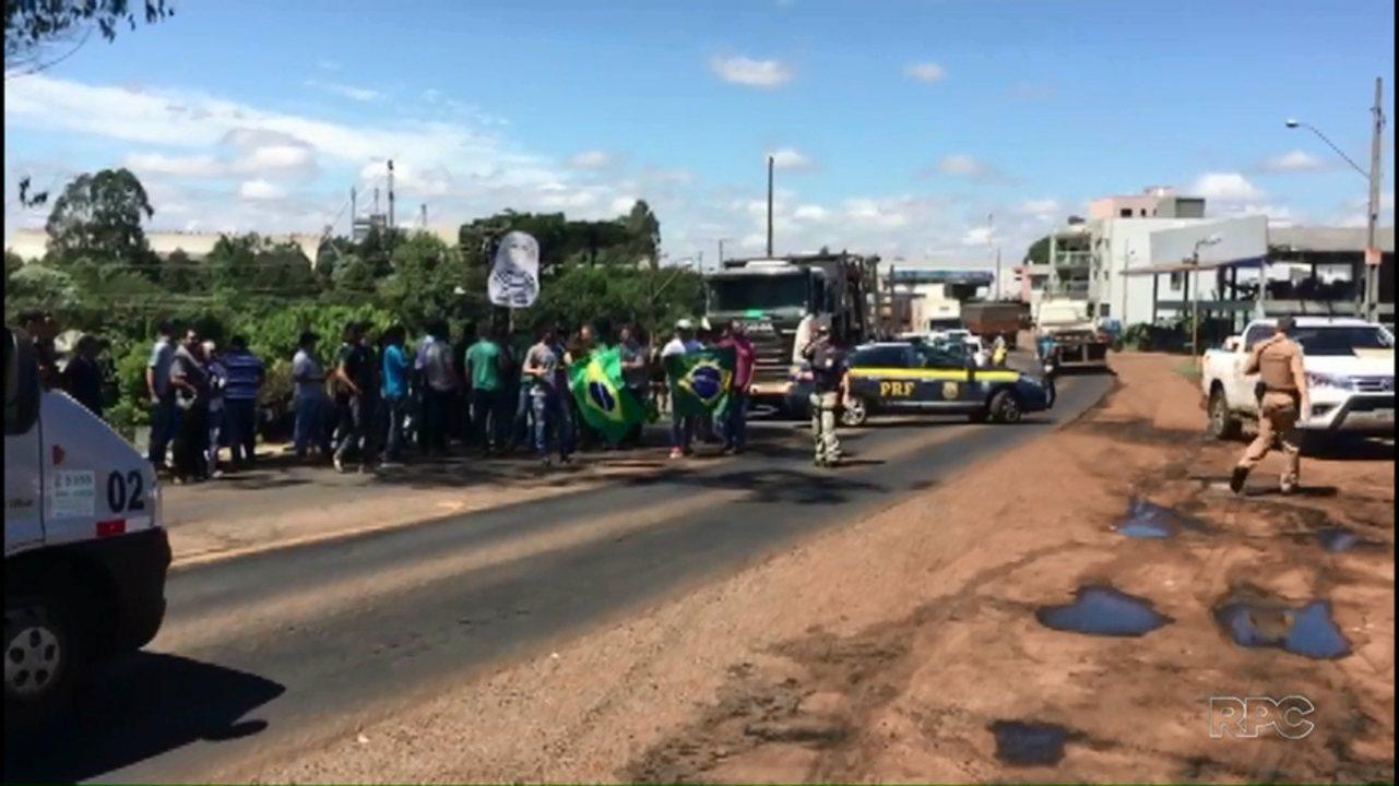 Caravana do Lula se despede de SC a pedradas e ovadas