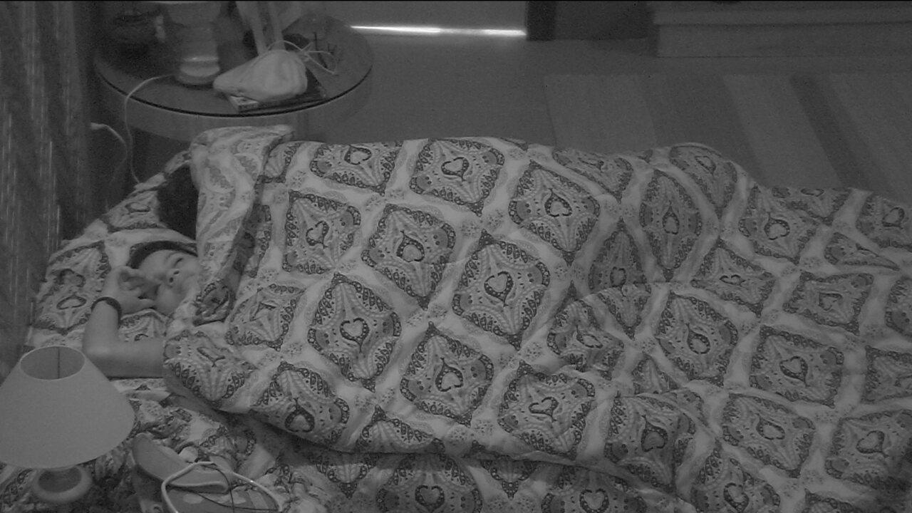 Todos os participantes do BBB18 dormem após Eliminação de Caruso