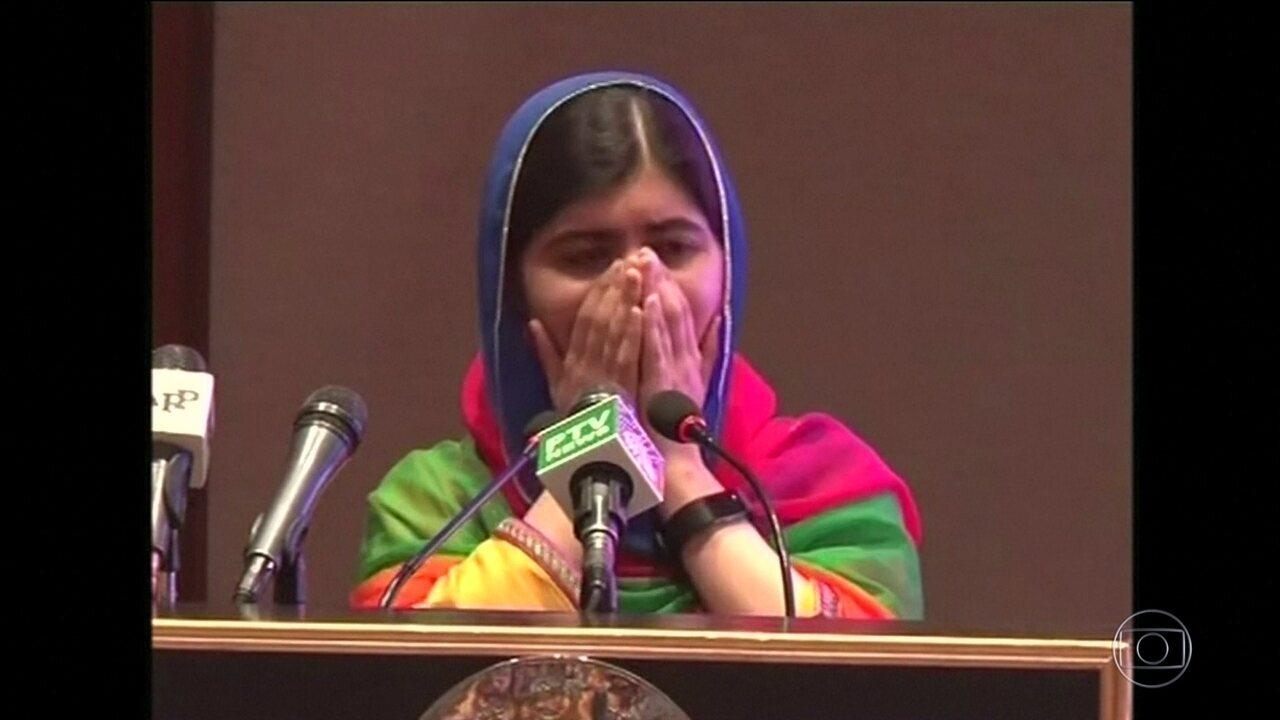 Ganhadora do Prêmio Nobel da Paz, Malala volta ao Paquistão