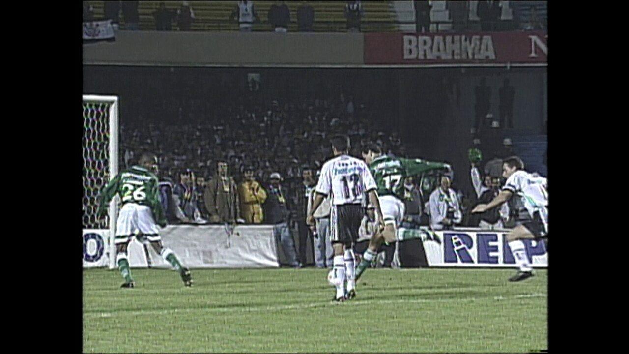 Em 1999, Corinthians venceu o Palmeiras no primeiro jogo da final do Paulistão