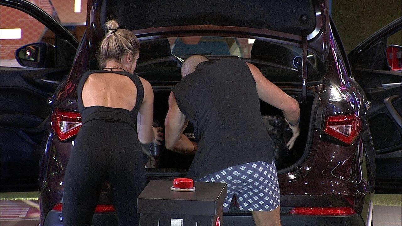 Kaysar e Jéssica cumprem nova etapa da Prova do Líder Fiat Cronos na Bagagem