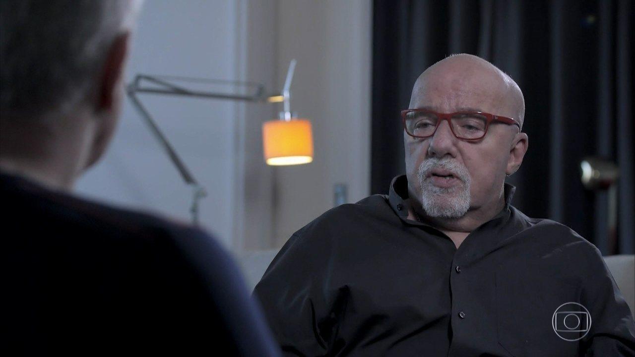 Paulo Coelho fala sobre Nobel e sua relação com o pai