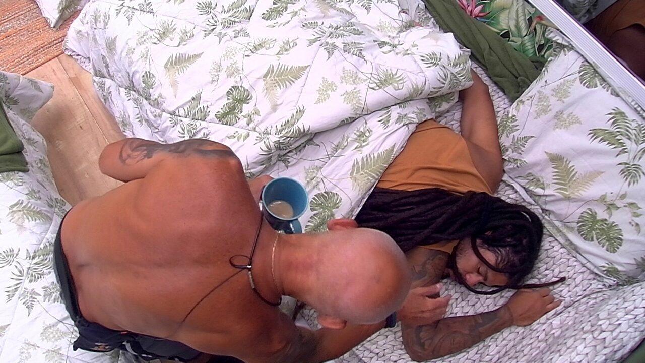 Ayrton acorda Viegas para fazer Raio-X