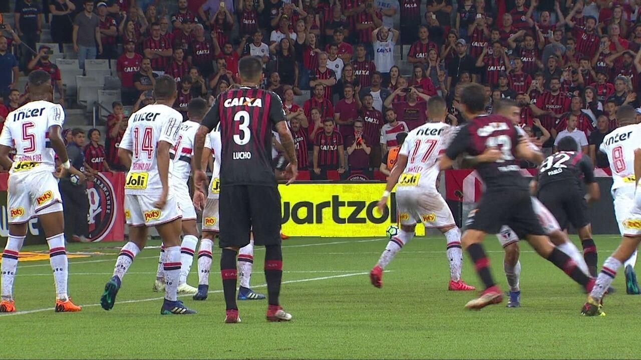 Melhores momentos de Atlético-PR 2 x 1 São Paulo pela quarta fase da Copa do Brasil