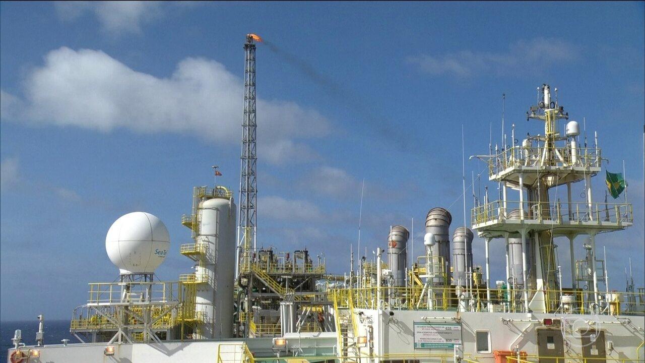 Resultado de imagem para Governo trabalha com 'enorme empenho' por acordo com Petrobras
