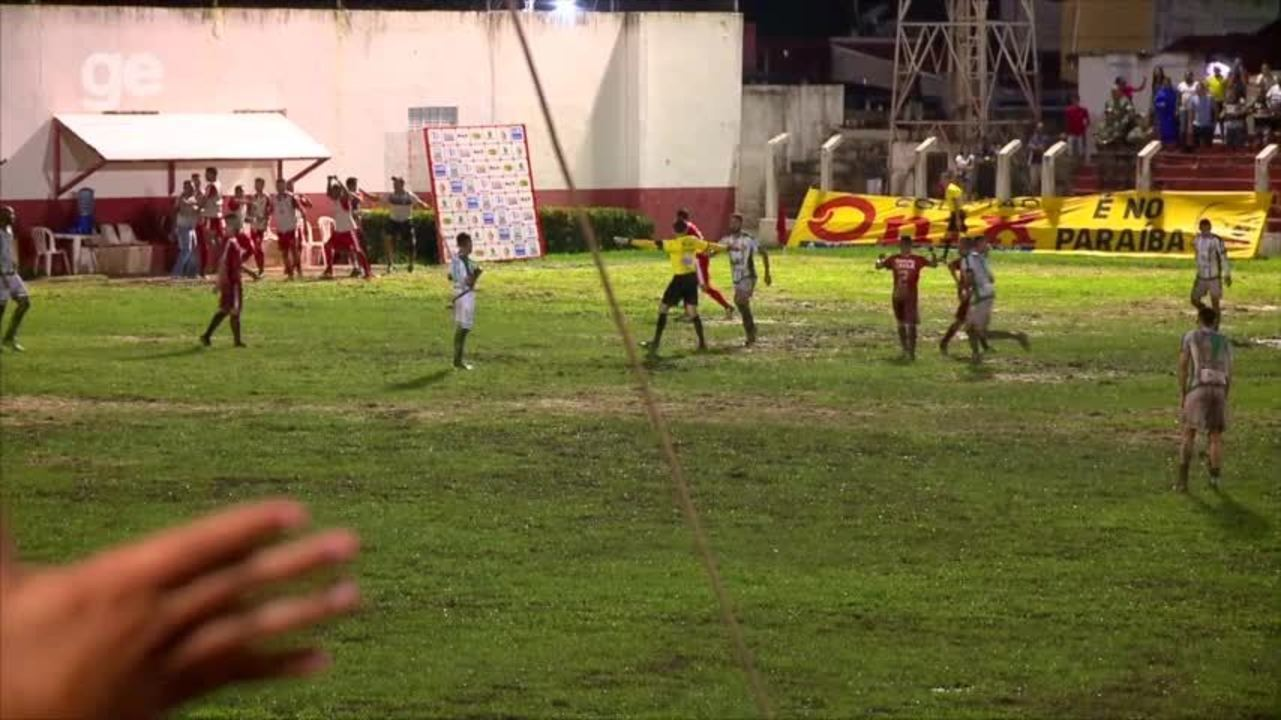 Em campo sofrível na Arena, 4 de Julho vence o Altos e fica perto da final do Piauiense