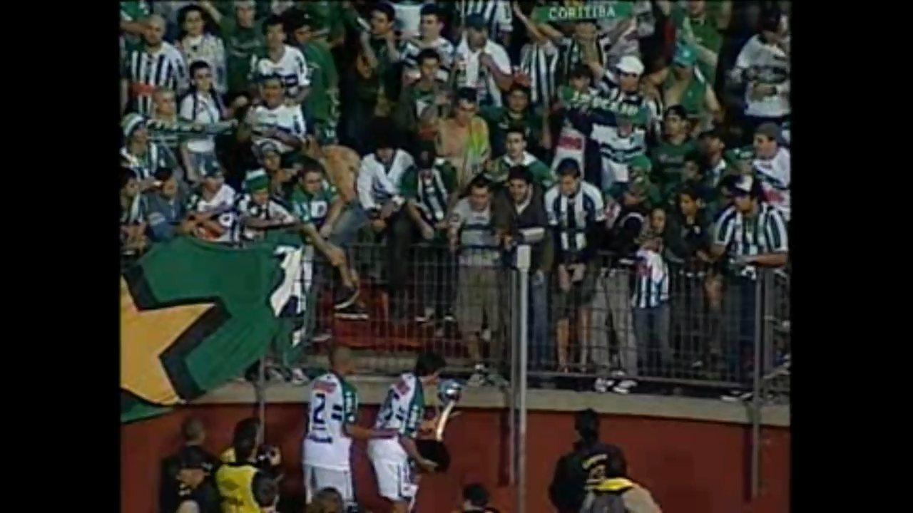 Coritiba bate o Atlético-PR na Baixada e conquista o estadual de 2011