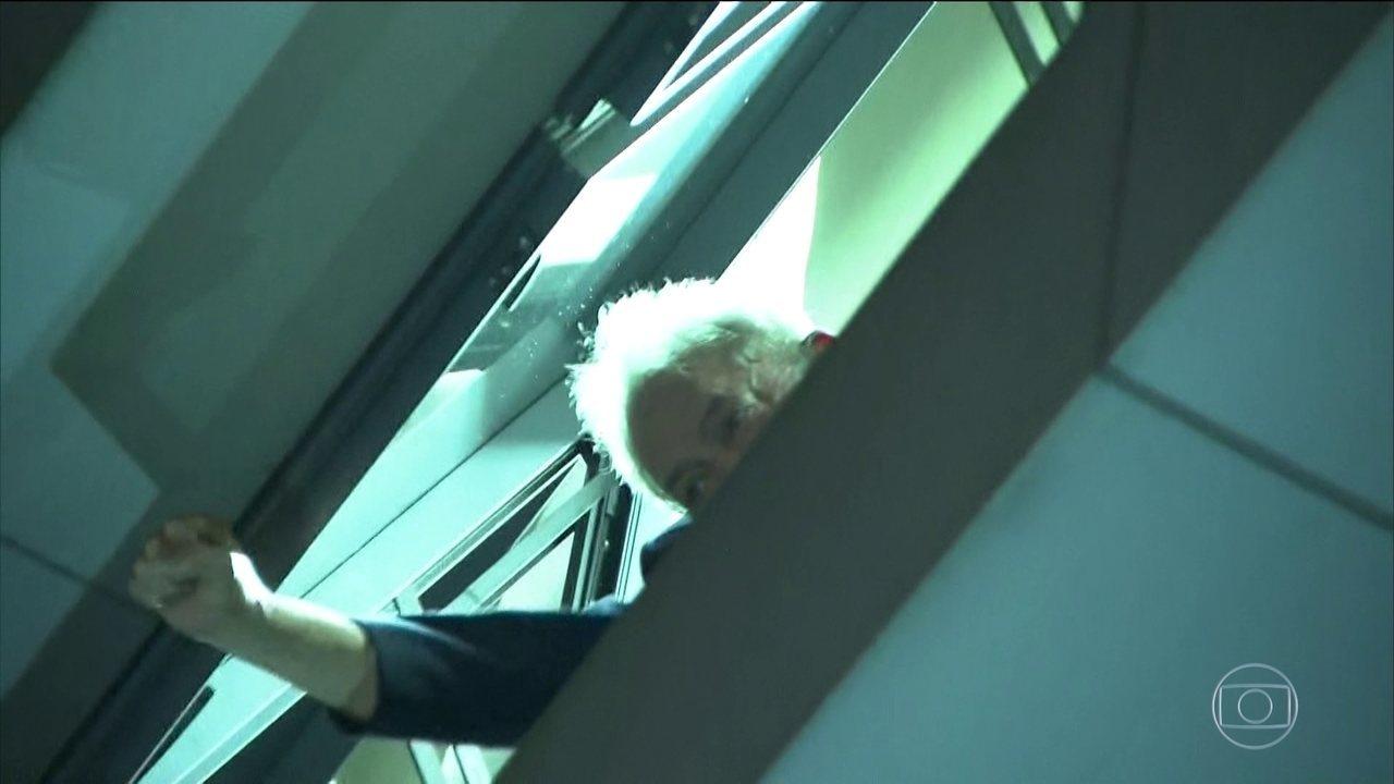 Lula está no Sindicato dos Metalúrgicos após expedição de mandado de prisão