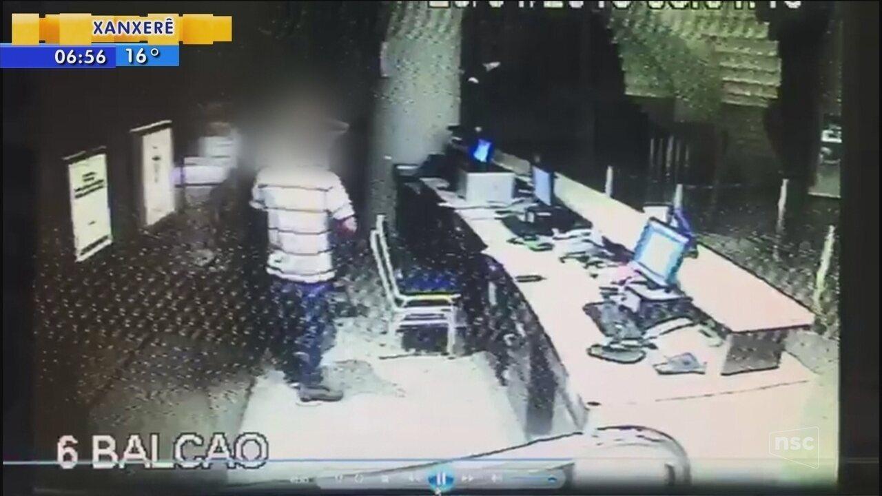 Polícia faz operação contra quadrilha suspeita de assaltar hotéis de luxo em Joinville
