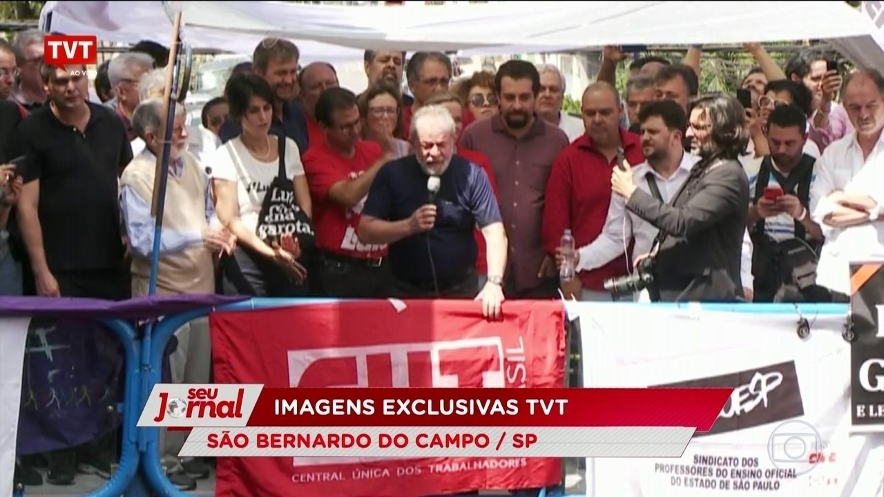 """Lula diz que seus apoiadores sairão pelo Brasil fazendo """"o que tem de ser feito"""""""