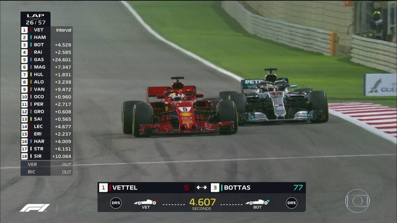 Vettel ultrapassa Hamilton no GP do Barein