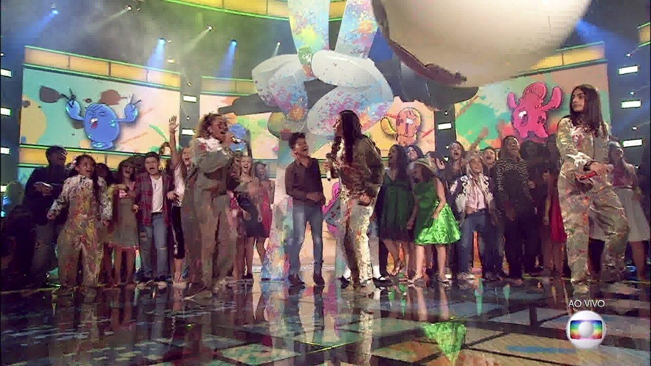 Os finalistas cantam 'Será' e têm a companhia de todos os participantes do programa