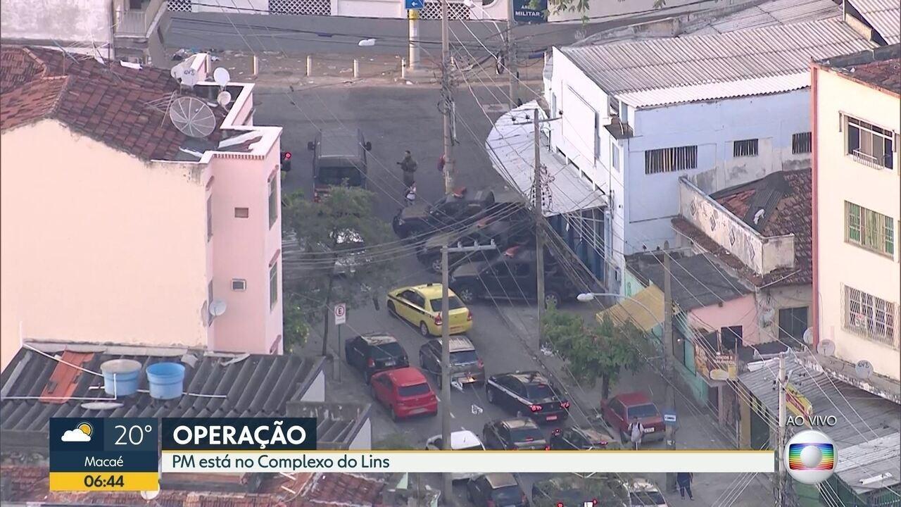 Polícia Militar faz operação no Complexo do Lins