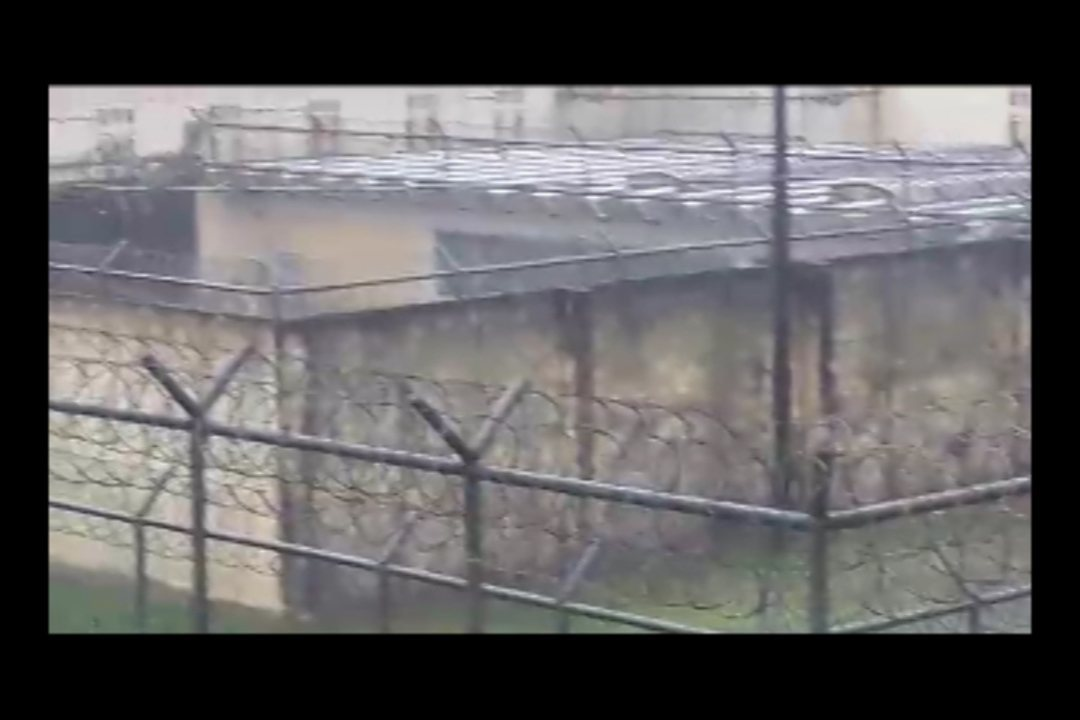 Vídeo mostra corpos jogados pelo presídio após tentativa de resgate