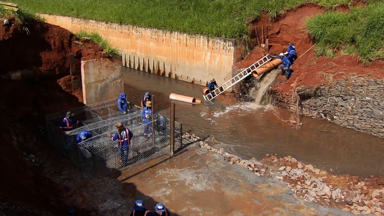 Vereadores investigam obras paradas há anos, em Goiânia