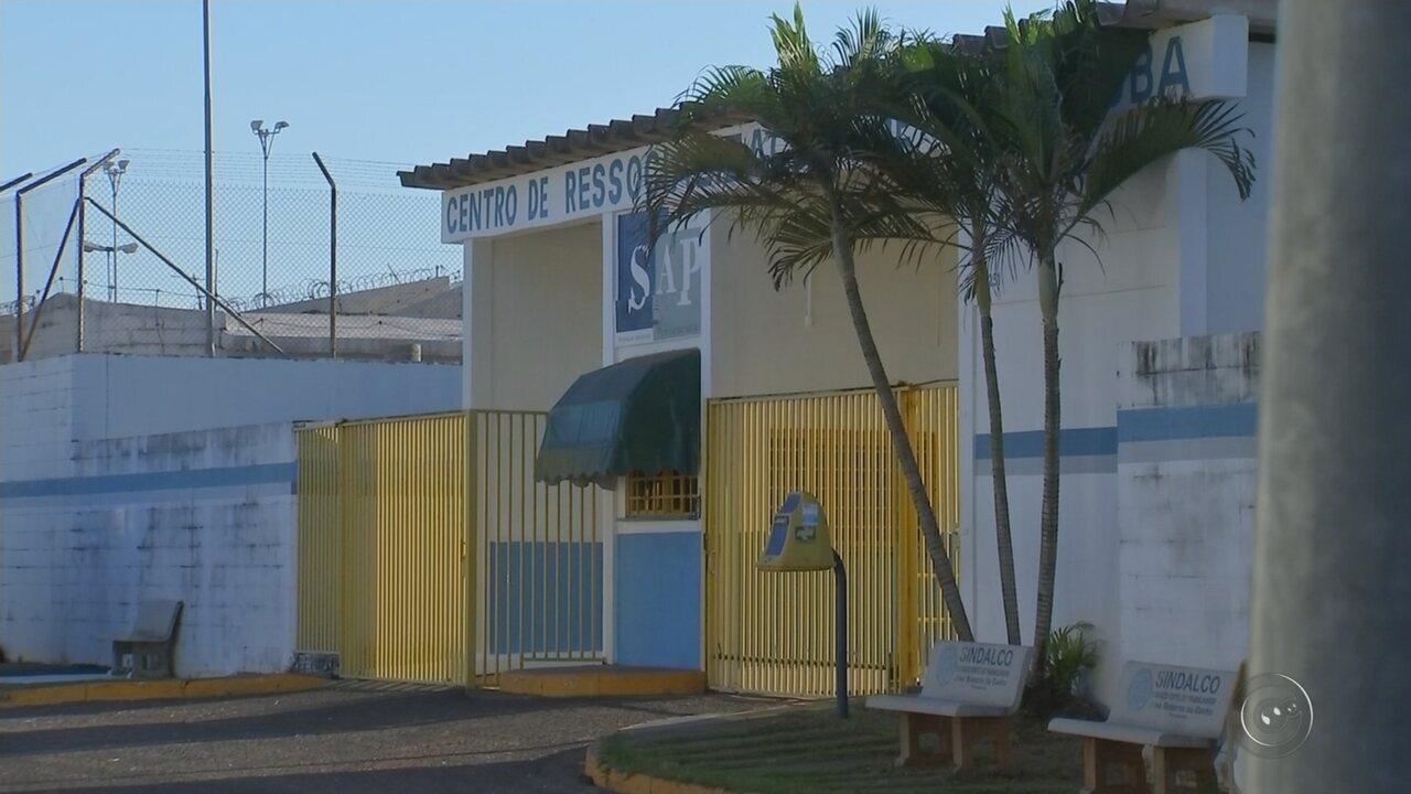 Diretor de presídio transferia detentos em troca de favores sexuais, diz MP